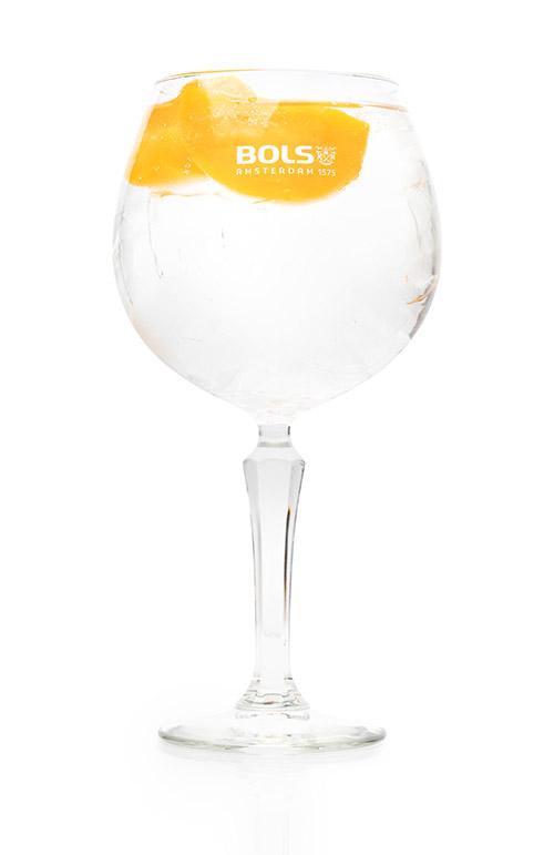 Raikas persikanmakuinen cocktail